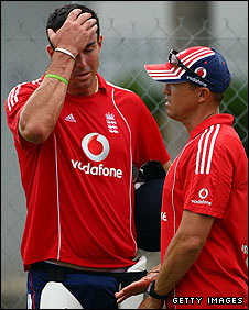 Kevin Pietersen (left) and Andy Flower