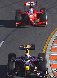 Felipe Massa, Ferrari; Sebastian Vettel, Red Bull