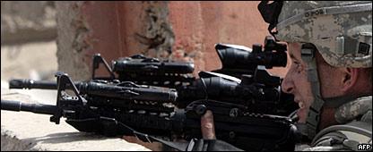 Soldado de EE.UU. en el distrito de Al Fadl