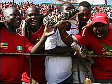 Mozambique fans