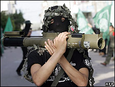 Militant carrying anti-tank weapon in Gaza (6/03/09)
