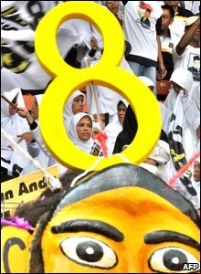Supporters of Indonesia's Prosperous Justice Party (PKS) during a 100,000-strong rally in Jakarta, 30 March 2009