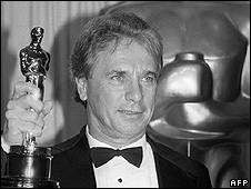 Maurice Jarre with his Oscar in 1985