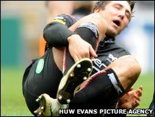 Gavin Henson suffers before departing the fray at Coventry