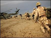 Британские солдаты под Басрой