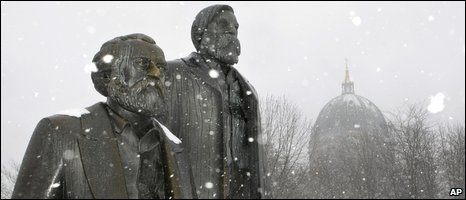 Statue of Marx and Engels, AP