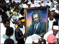 Mourners at Lucky Dube's funeral