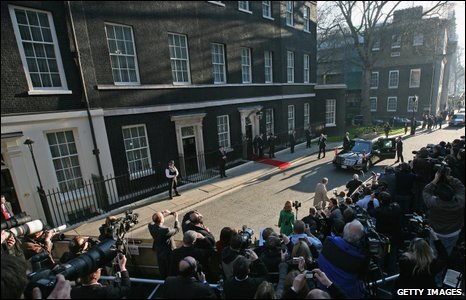 U.S. President Barack Obama arrives in Downing Street on April 1, 2009