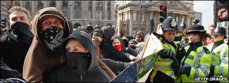 G20 demostrators outside Bank of England 1 April 2009