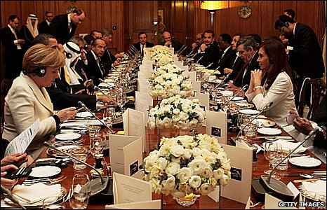 Leaders of the world's largest economies prepare for dinner at No 10