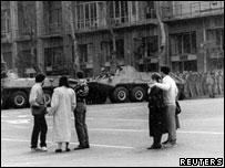 Советские танки на улицах Тбилиси (11 апреля 1989 г.)