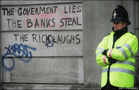 Graffiti on the Bank of England building
