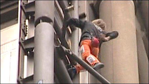Free climber Alain Robert