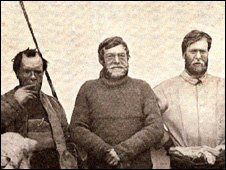 Ernest Shackleton (centre) and team members: Copyright Shackleton Foundation