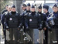 Riot police in Strasbourg, France (2 April 2009)