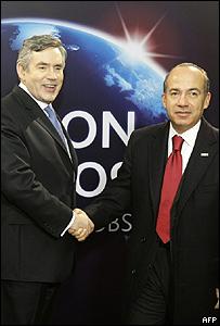 Gordon Brown, primer ministro brit�nico y Felipe Calder�n, presidente de M�xico