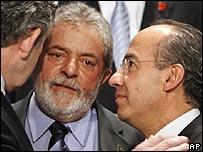 Gordon Brown del Reino Unido, Lula da Silva de Brasil y Felipe Calderón de México
