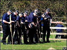 Police search team
