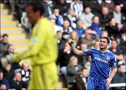 Frank Lampard celebrates scoring Chelsea's first