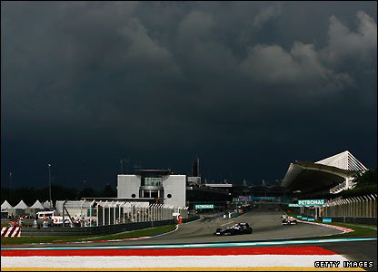 Appalling weather stops the Malaysian Grand Prix after after 32 laps