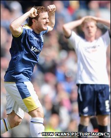 Cardiff's Ross McCormack celebrates his late equaliser