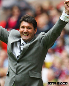 Luton boss Mick Harford