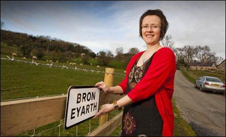 Helen Roberts of Cadwyn Clwyd