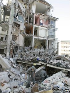 L'Aquila city quake aftermath (AP)