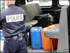 Police guard explosive substances found in garage in Grenoble