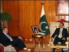 Mr Holbrooke (l) and Mr Zardari