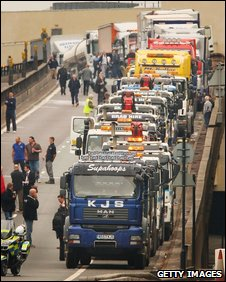 Lorries in fuel protest