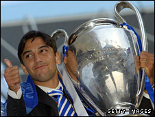 Paulo Ferreira got his hands on the Champions League trophy in 2004