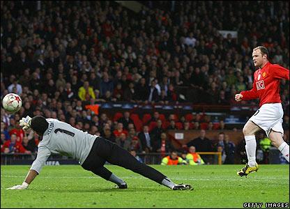 Rooney scores for Man Utd