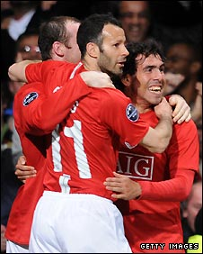 Carlos Tevez (right) scored a late goal for Man Utd
