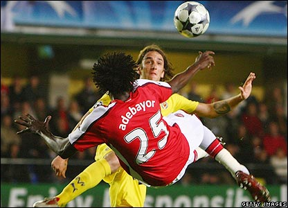Adebayor equalises for Arsenal