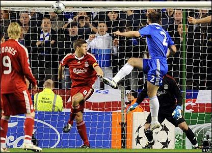 Ivanovic makes it 2-1 to Chelsea