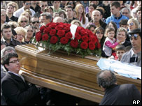 В Италии хоронят жертв землетрясения