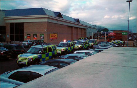 Police cars outside Homebase [Pic: Mark Barlowe]