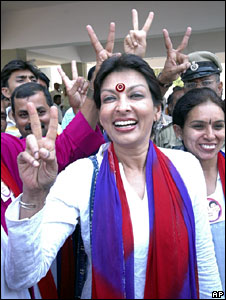 Mallika Sarabhai campaigning in her constituency