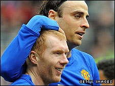 Paul Scholes and Dimitar Berbatov