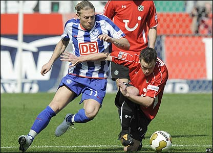 Andriy Voronin looks for a way through for Hertha