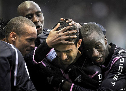 Bordeaux's players celebrate Fernando Menegazzo's opener
