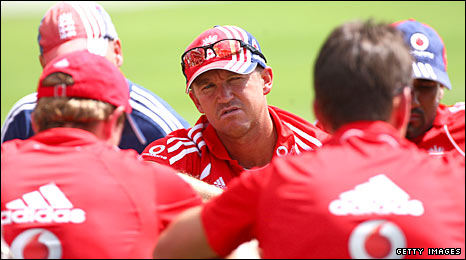Andy Flower presides over an England team-talk