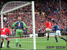 Paul Rideout heads home Everton's winner in the first half of the 1995 FA Cup final