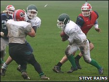 American Football training: Guernsey Islanders and Farnham Knights