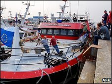 French fishermen block the the Channel port of Boulogne-sur-Mer