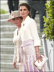 Queen Rania of Jordan at Spanish royal wedding (courtesy of Sarah's Bag)