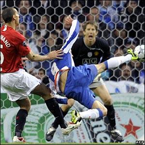 Rio Ferdinand, Edwin van der Sar, Manchester United; Lisandro Lopez, Porto