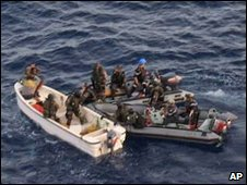 French navy personnel intercept pirates, 14 April, 2009