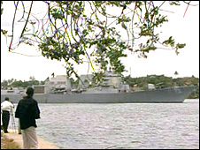 USS Bainbridge arriving in Mombasa, Kenya, on 16/4/09
